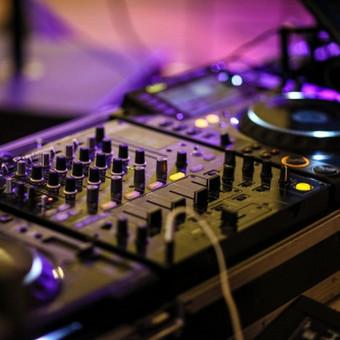 Vestuvių vedėjas ir DJ. / renginiuidejos.lt / Darbų pavyzdys ID 424561