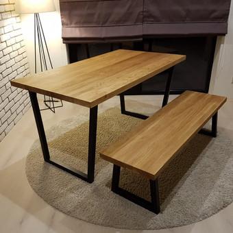 Tvirtas ąžuolinis valgomojo stalas
