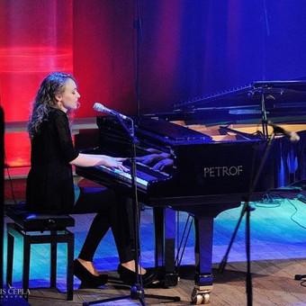 Pianistė Justė Kazakevičiūtė / Justė Kazakevičiūtė / Darbų pavyzdys ID 430711