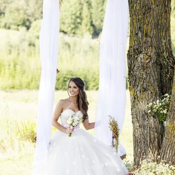Dekoruota salele vestuvems ir vestuviu fotografija