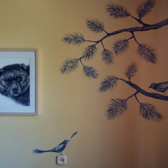 Piešinys ant sienos. Akrilas.