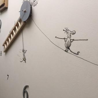 Laikrodis. Detalė. Pelytės.