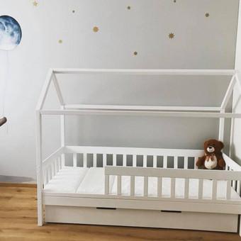Gražios vaikiškos lovytės nameliai