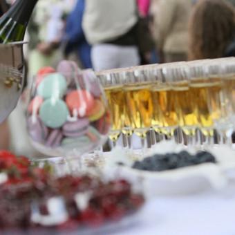 Šampano staliukas, gėlių fotosienos švenčių dekoracijų nuoma / Jurga / Darbų pavyzdys ID 453409