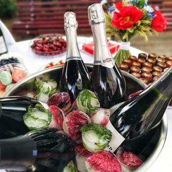 Šampano staliukas, gėlių fotosienos švenčių dekoracijų nuoma / Jurga / Darbų pavyzdys ID 453415