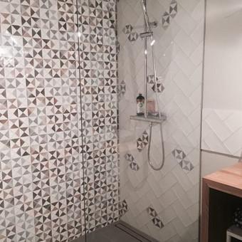 Vonios interjero projektas, plytelių klijavimas ir kt darbai
