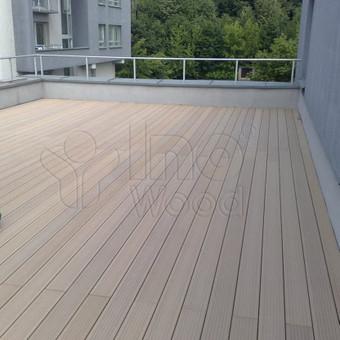 Medienos ir plastiko kompozito terasa daugiabutyje, Vilniuje