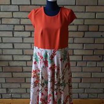 Labai mėgstu ryškius audinius sušvelninti gėlių akcentais. Ši suknelė puikiai tai atspindi. Audinio sudėtis: 100% viskozė (gėlėtas), 100% poliesteris (oranžinis).