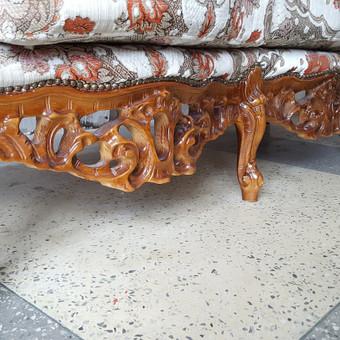 Rokoko stiliaus baldai / Odinė Sofa / Darbų pavyzdys ID 468975