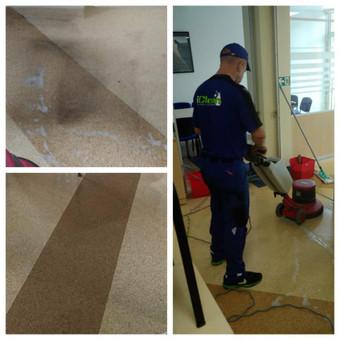 PVC grindų valymas ir vaškavimas