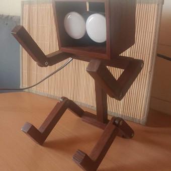 Stalo lempa Robotukas