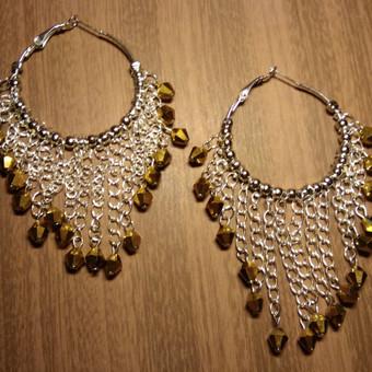 Ilgi ir Puošnus Auskarai,iš kristalų karoliukų, aukso spalvos, juvelyrinių detalių. Daug kruopštaus darbo
