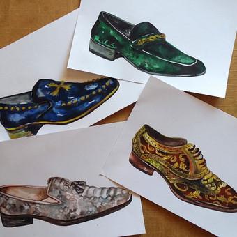 Akvarele piešti batų eskizai.