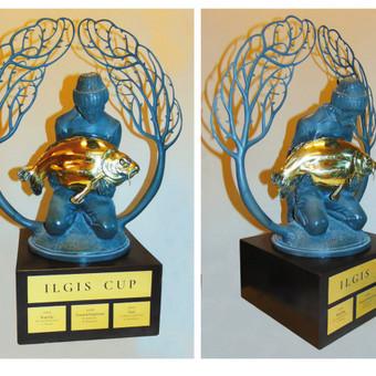 """Pereinamas prizas """"Ilgis cup"""" žvejybos varžybų nugalėtojams. Žalvaris, mediena, h - 45 cm"""