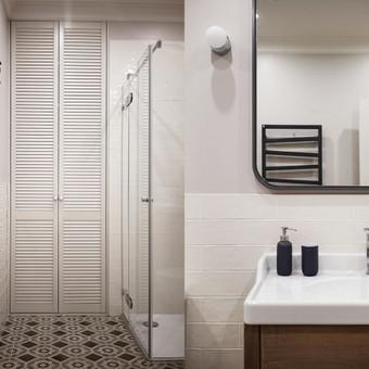 """Vonios interjero fragmentas  - """"Habitas - interjero dizainas"""" projektas"""