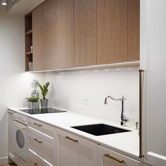 """Virtuvės interjero fragmentas  - """"Habitas - interjero dizainas"""" projektas"""
