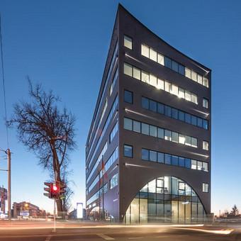 Verslo centras Kaune, kurtas dirbant Architektų biure G. Natkevičius ir partneriai, kartu su G. Natkevičiumi, A. Rimšeliu