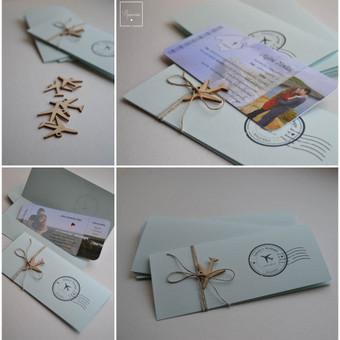 Kvietimas. Keturios dalys - kvietimo vokelis, pagrindas su tekstu - bilietas, juostelė ir medinis lektuvėlis.  Dydis - 90 x 210