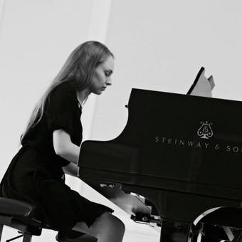 Pianistė Justė Kazakevičiūtė / Justė Kazakevičiūtė / Darbų pavyzdys ID 502451
