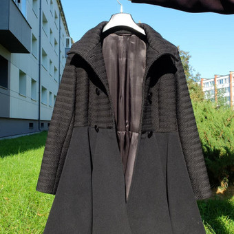 Moteriškas paltas #1. M dydis.