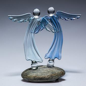 """Skaidraus melsvo stiklo angelai """"Nauja pradžia"""" Dydis 12x12cm  Dydis 16x16cm"""