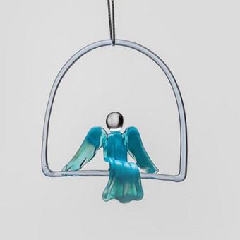 """Kabinamas ant lango, sienos, po šviestuvu žydro, mėlyno,   raudono ar balto stiklo """"Sapnų angelas"""" Dydis 10x10cm"""