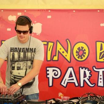 Karkle Live music festival beach stage DJ