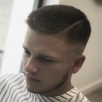 Vyriški kirpimai,barzdų modeliavimas,skutimas. / Loreta / Darbų pavyzdys ID 515045