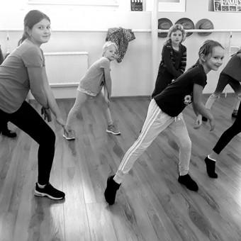 """""""Dance Family"""" - šokių pamokos suaugusiems ir vaikams / Ieva Vaitkevičienė / Darbų pavyzdys ID 515235"""