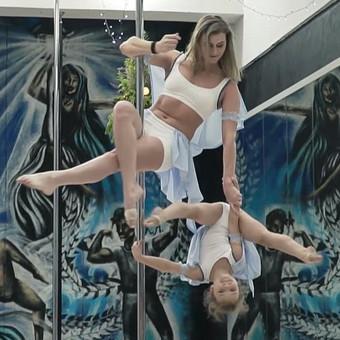 VIPEROJE vykstančiose šventėse šoka ne tik instruktoriai, bet ir jų mokiniai.