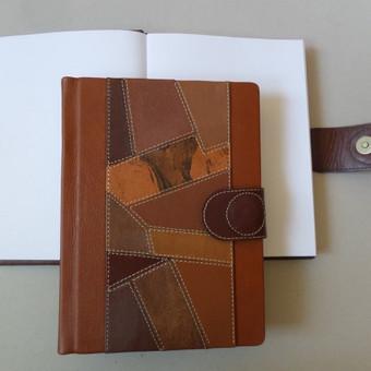 Atsiliepimų knyga (23x15). Kaina - 30 eurų.