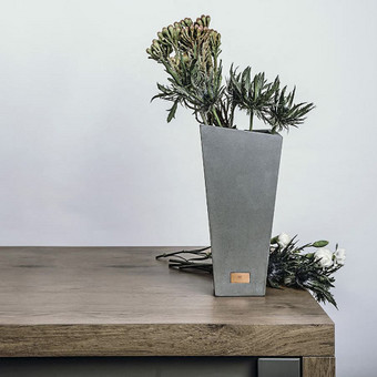 Vaza MV1