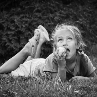 Gabrielės obuolių pasaka (šeimos fotosesija)