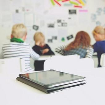 """Užsakovas - Literatūros informacijos ir edukacijos centras. Projektas - """"Medijos ir vaikai: pažintis su medijų raštingumu""""."""