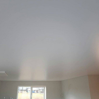 Atliekame įtempiamų lubų montavimo darbus / tomas / Darbų pavyzdys ID 524871