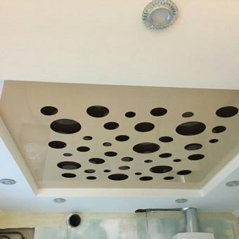 Atliekame įtempiamų lubų montavimo darbus / tomas / Darbų pavyzdys ID 524887