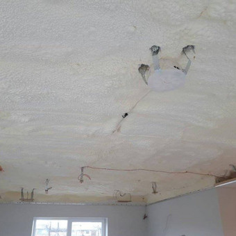 Atliekame įtempiamų lubų montavimo darbus / tomas / Darbų pavyzdys ID 524899