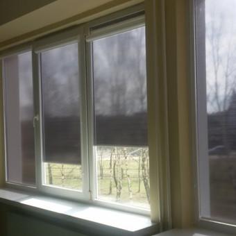 Roletai Glassgard bibliotekos patalpose- puikus būdas saugotis nuo karštų saulės spindulių