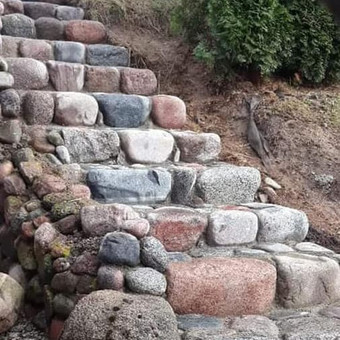 akmeniniu laiptu muras