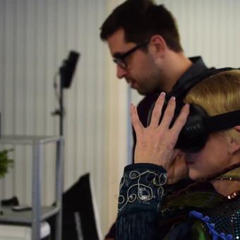 VR technologijos tobulėjimas leidžia ne tik kurti, bet ir įrašyti 3D įrašą (arba kitaip Volumetric Video), kuriame iš visų pusių įrašomas kiekvienas veiksmas.