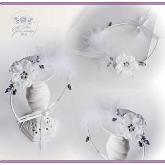 Šilko gėlių lankelis su plunksnomis