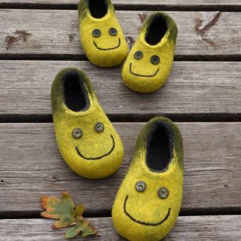 """Vaikiški tapukai """"Smile"""". Padukai padengti lateksu, galiu padaryti reikiamo dydžio."""