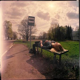 Fotosesija. Nuotrauka atlikta su analogine vidutinio formato kamera 6x6.