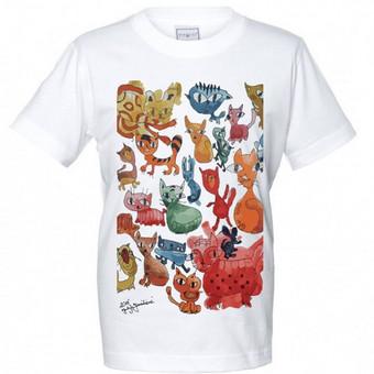 maketas ant marškinėlių. Katės