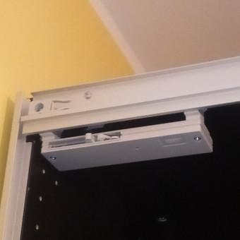 PAX spintos durų stabdžių montavimas