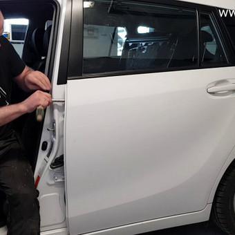 Automobilių kėbulo lyginimas be dažymo / PDR kursai, mokymai / Darbų pavyzdys ID 571747
