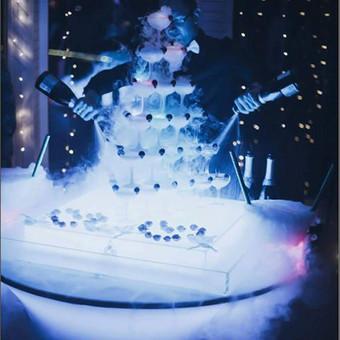Šampano taurių piramidės ir sauso ledo efektų šou / Darius Klimavičius / Darbų pavyzdys ID 572317