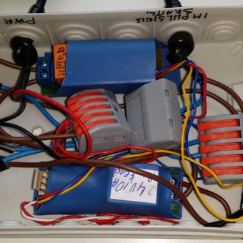 Kompresoriuas valdiklis su taplovimo proceso valdymu.