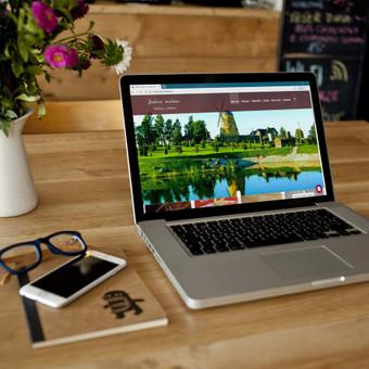 Panaudotas šabloninis dizainas ir pritaikytas pagal visus kliento norus.