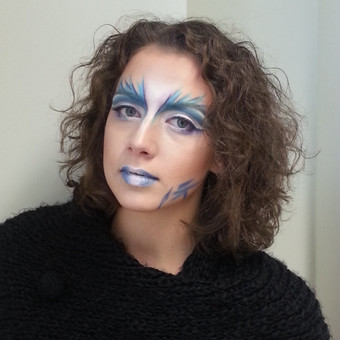Fashion makiažas su face art elementais